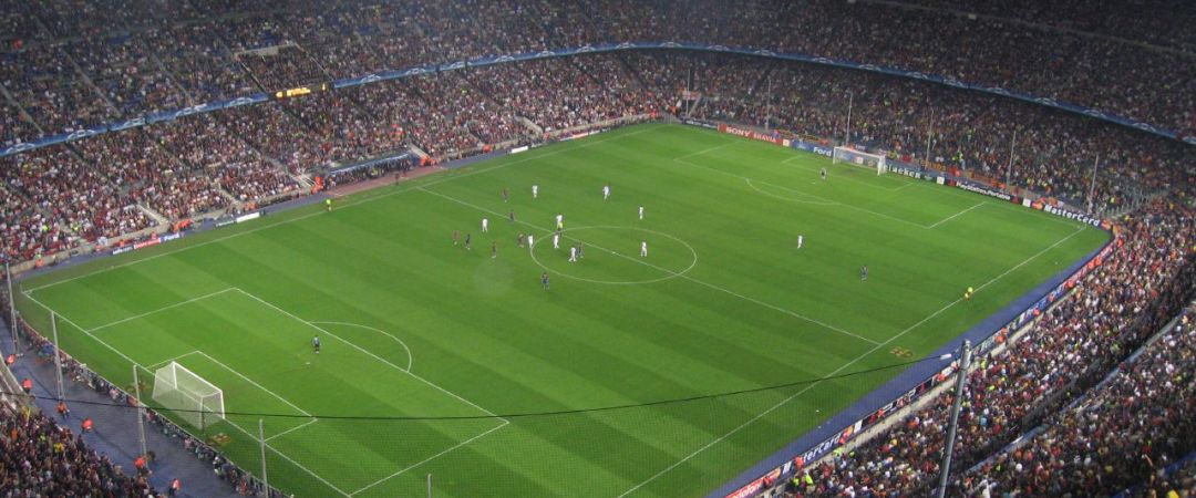 invita a todos los grupos de deportes! Participe en el Camp Nou experiencia; ver el mayor estadio de fútbol de Europa y casa de FC Barcelona por ti mismo.