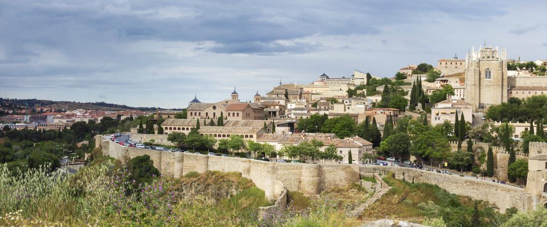 La UNESCO ciudad de Toledo es un lugar mágico, lleno de encanto y belleza. Sentir la historia primera mano al caminar por las calles estrechas.