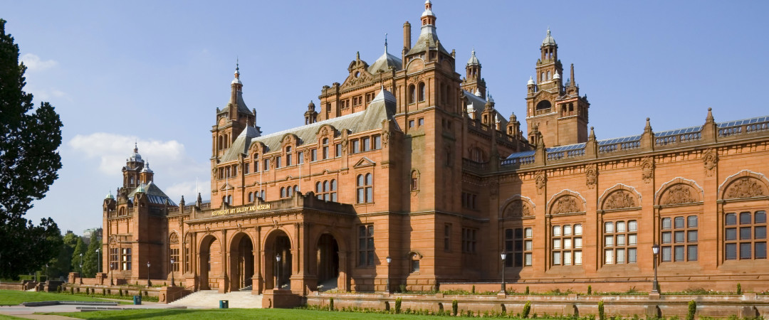 The Kelvingrove Art Gallery and Museum has superb paintings and sculptures on show as well as significant historic objects.