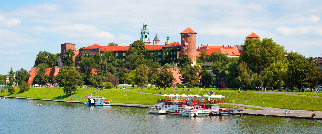 Five minutes walk from our Krakow hostel, Wawel Castle is not just pretty to look at - it's crammed full of art from across the ages.