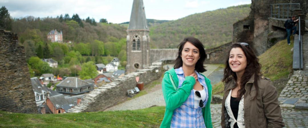 La Roche-en-Ardenne, perle de la région dans laquelle se dresse un superbe château féodal.