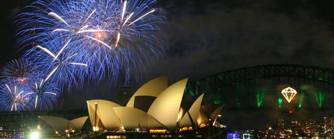 Experience the explosive vibrancy of Sydney's harbour shows.