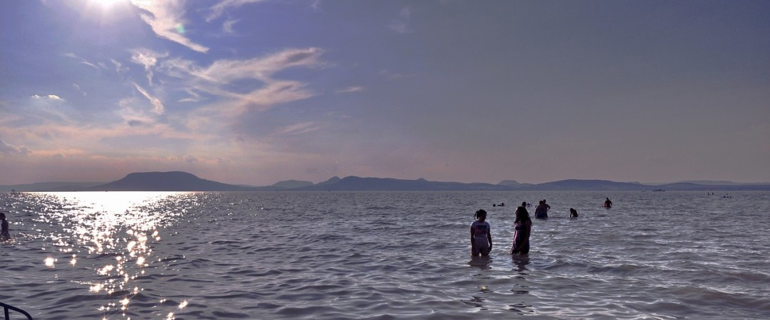 Relax by the Balaton lake with your extended family this summer. Our group hostel is located right on its shores.
