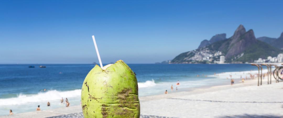 bebida de cocoteros en Playa de Ipanema, Río de Janeiro