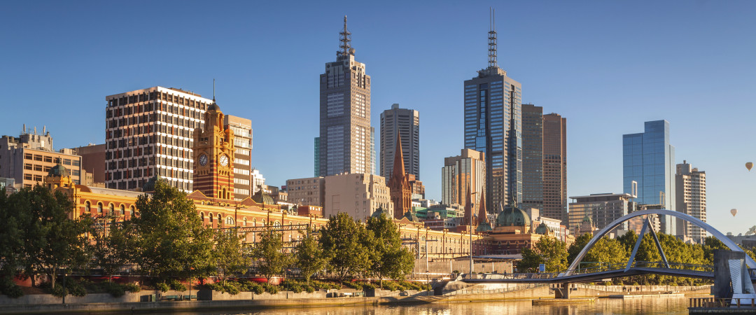 See Melbourne by hopping on a boat going along the Yarra River visiting Melbourne Park, the Royal Botanical Gardens and Herring Island Park.