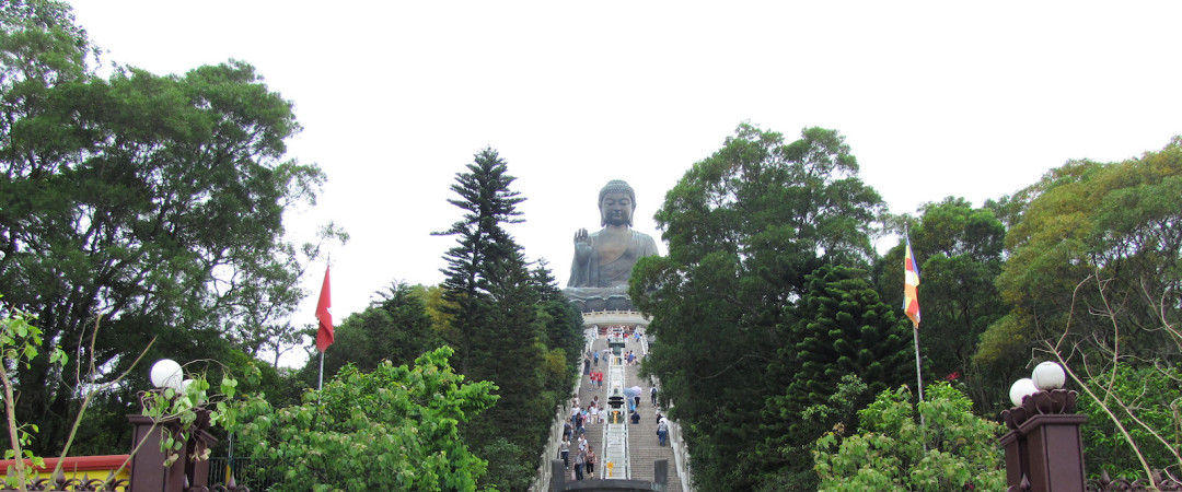 Walk up the 268 steps to see the Giant Buddha, enjoy the statue and admire the view of the surrounding area.