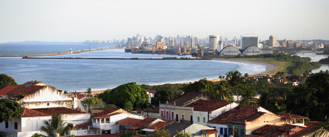 Take a long walk along the famous Boa Viagem beach - one of the most famous urban beaches in Brazil, ideal for enjoying the sunshine.