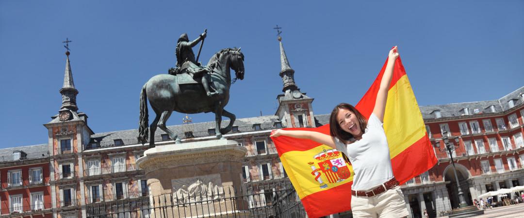 Ayudar a que los jóvenes vive en Madrid, ayudando en el albergue del centro social.