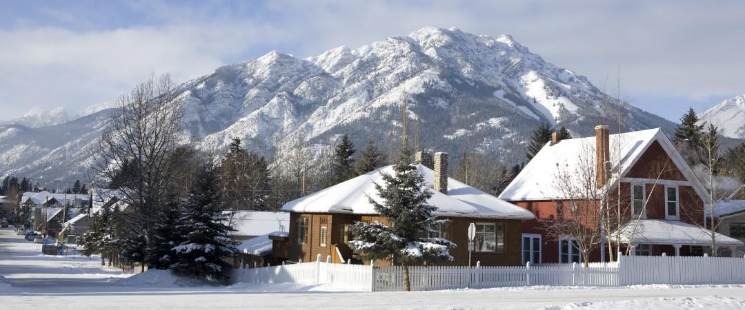 Banff es uno de Canadá's Prime esquí y de los deportes de invierno, así como estar situado dentro del pintoresco Parque Nacional Banff