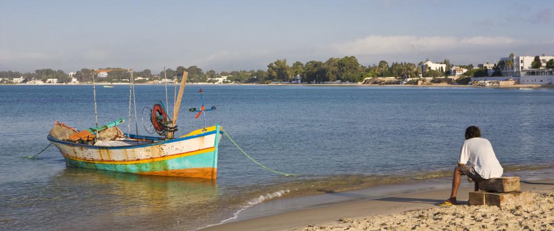 alejarse de todo en nuestro hostal en Rimel; visitar la playa y escuchar los suspiros del océano.