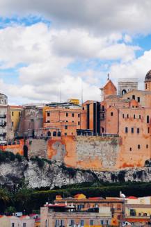 Europe Destination Guides-Hostels Worldwide - Hostelling International
