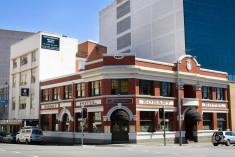 Hobart - Montgomery' s YHA
