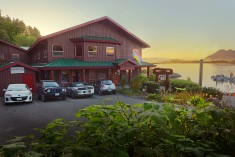 HI - Tofino - Whaler's on the Point Guesthouse