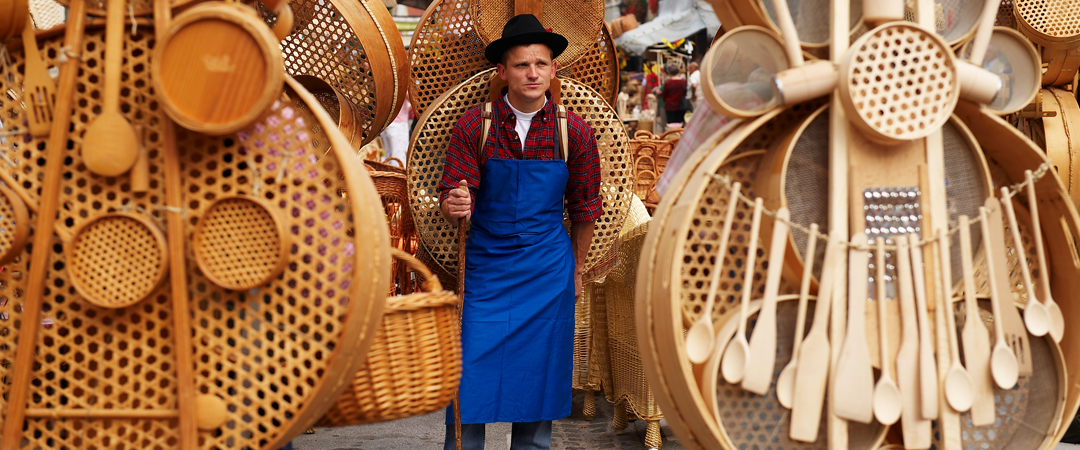 Ribnica is the centre of craftsmanship and woodwork. Lace your own basket and take it home as a souvenir.