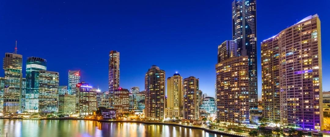 Take an evening stroll along the Brisbane River.