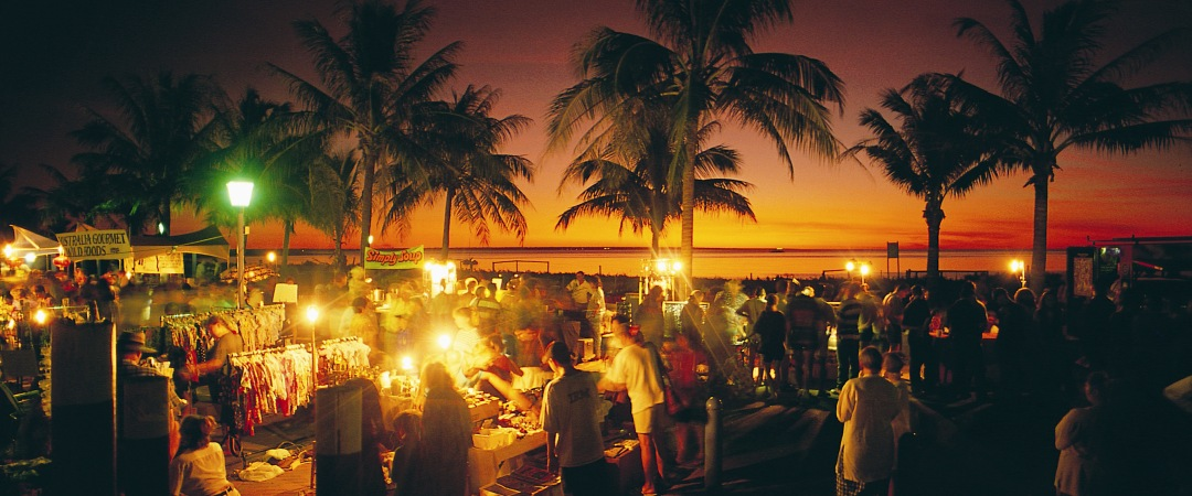 Spend an evening exploring the cultural and ethnic delights of the Mindil Markets.