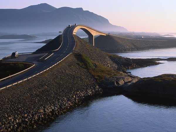 Atlanterhavsveien, kalt verdens vakreste bilvei, vestlandet, bro.