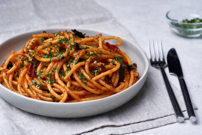 Alison Roman's Caramelised Shallot Pasta