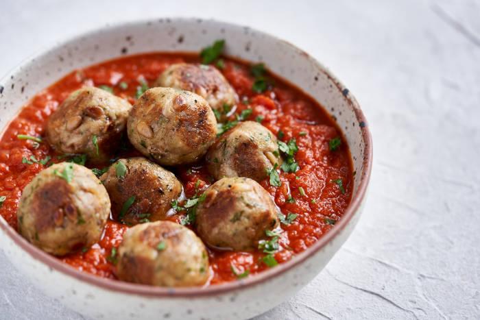 Jamie Oliver's tuna meatballs in tomato sauce