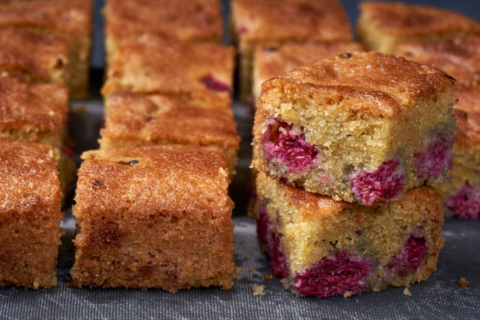 Nigella's Raspberry, Lemon and Polenta Cake