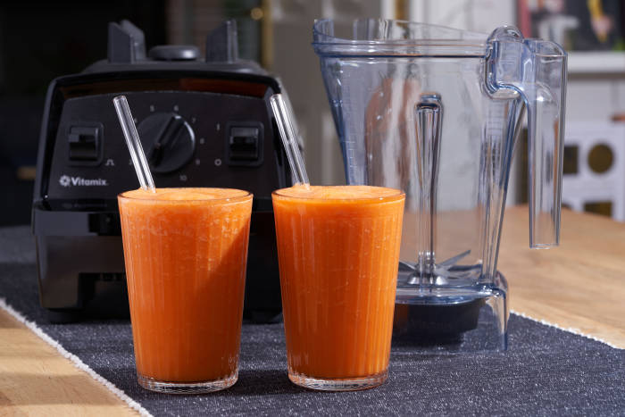 Vitamix E310 and carrot juice