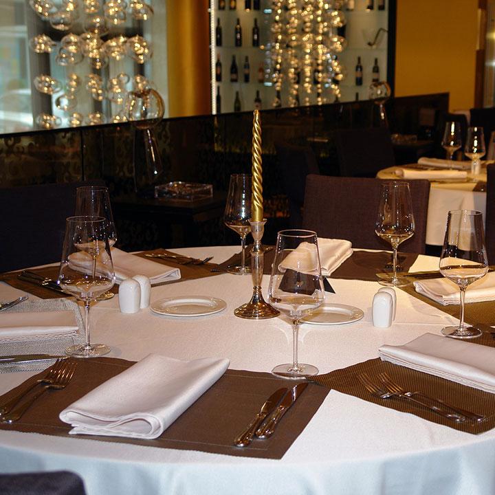 Book Table at Batra Hotel & Food Plaza in Rawatsar