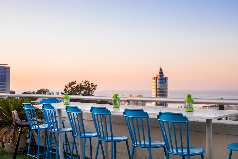 העיצוב הנעים מוקפד ונינוח, והוא מזמין אתכם לנוח כאן אחרי יום בילוי בעשרות האטרקציות של העיר חיפה