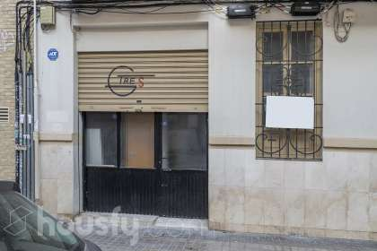 Bajo en venta en Calle Francisco Moreno Usedo