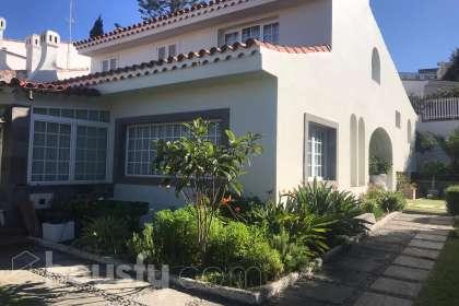 Casa en venta en Calle Poeta Alonso Quesada