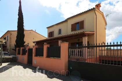 Casa en venta en Carrer de Joan Mascaró i Fornés