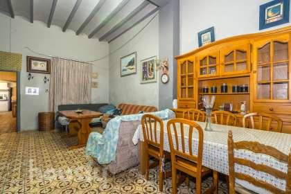 Casa en venta en Avinguda del País Valencià
