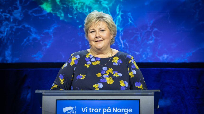 Erna Solberg på talerstolen under Høyres landsmøte.