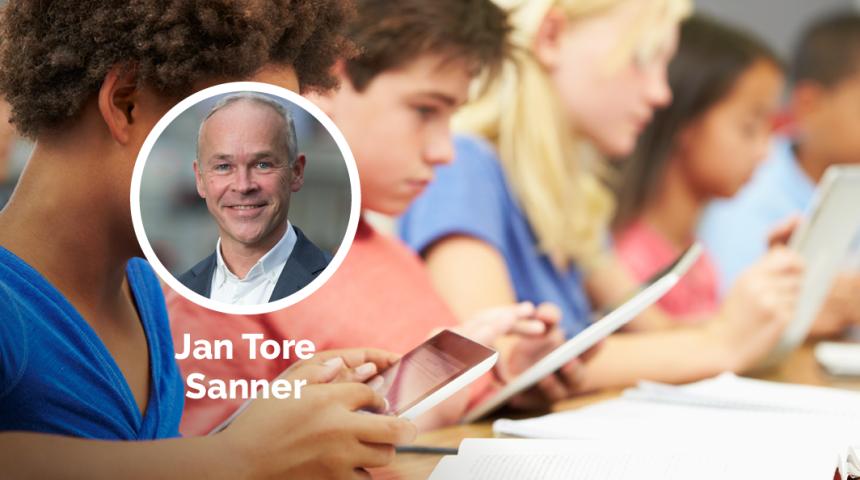 Elever som leser på et nettbrett. Jan Tore Sanner innfelt.