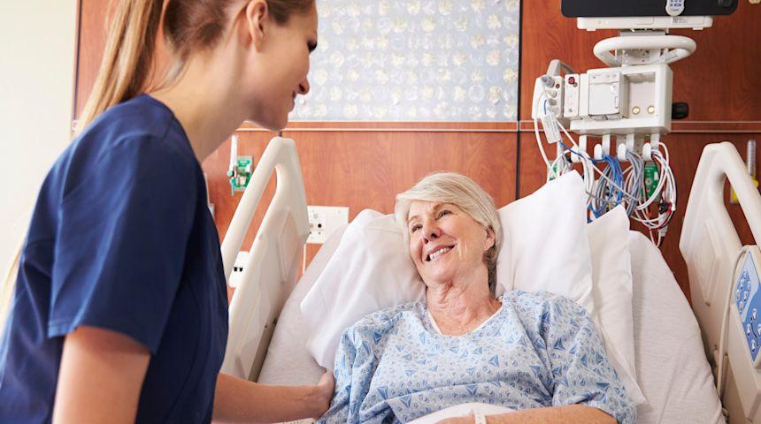 Bent Høie og regjeringen har skrellet drøye to uker av ventetiden for sykehusbehandling. De neste fire årene skal ventetiden fortsatt ned. Foto: illustrasjon/colourbox.com