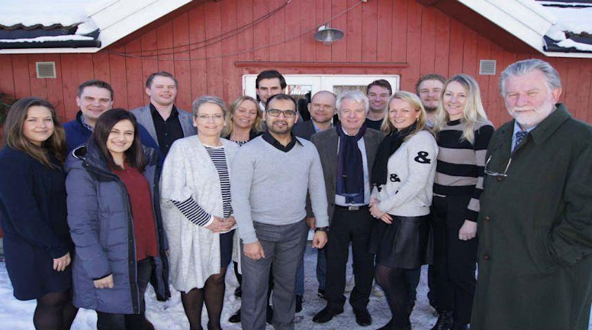 Søk på Høyres Lederskole 2018 i dag! Her ser du den fine gjengen fra Lederskolen 2016 på Kringler Gård i Nannestad. Foto: privat