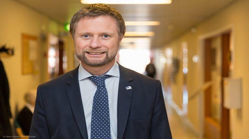 Helseminister Bent Høie har levert styringsmålene til sykehusene for 2017 Foto: Hans Kristian Thorbjørnsen