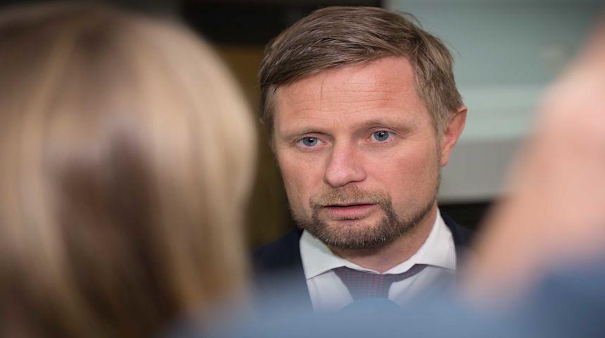 Et stort flertall er enig i en streng og rettferdig asylpolitikk, skriver helseminister Bent Høie. Foto: Hans Kristian Thorbjørnsen