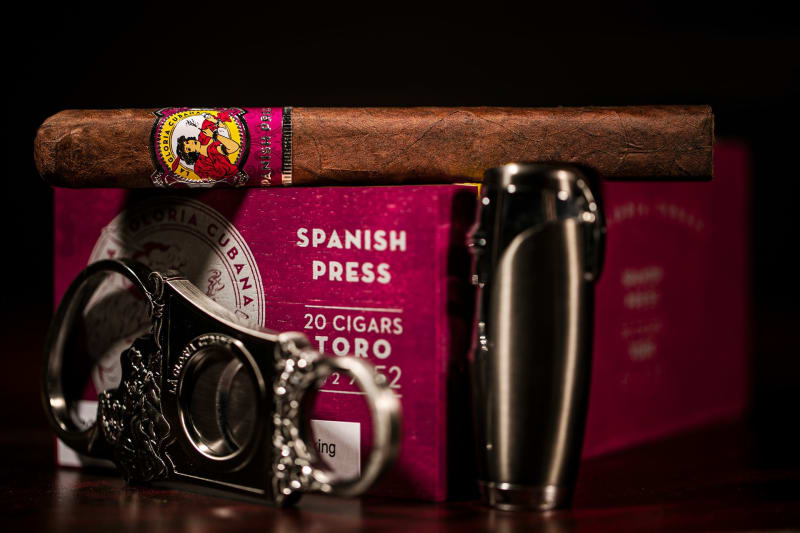 La Gloria Cubana Spanish Press header asset