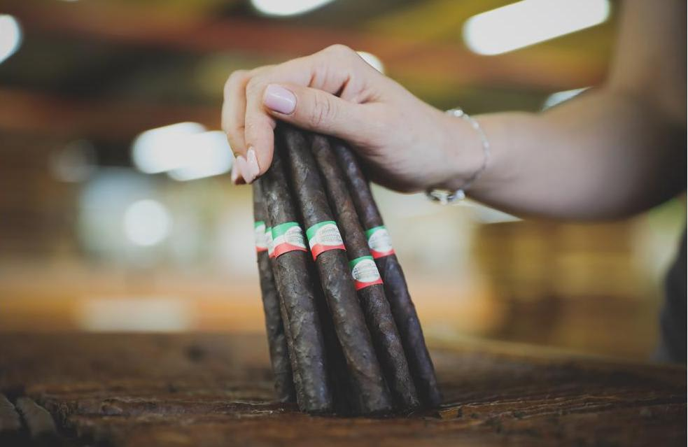 Cigar News: Toscano Cigars Switches Distribution with Miami Cigar and Company to its Subsidiary Avanti Cigar Co Featured Image