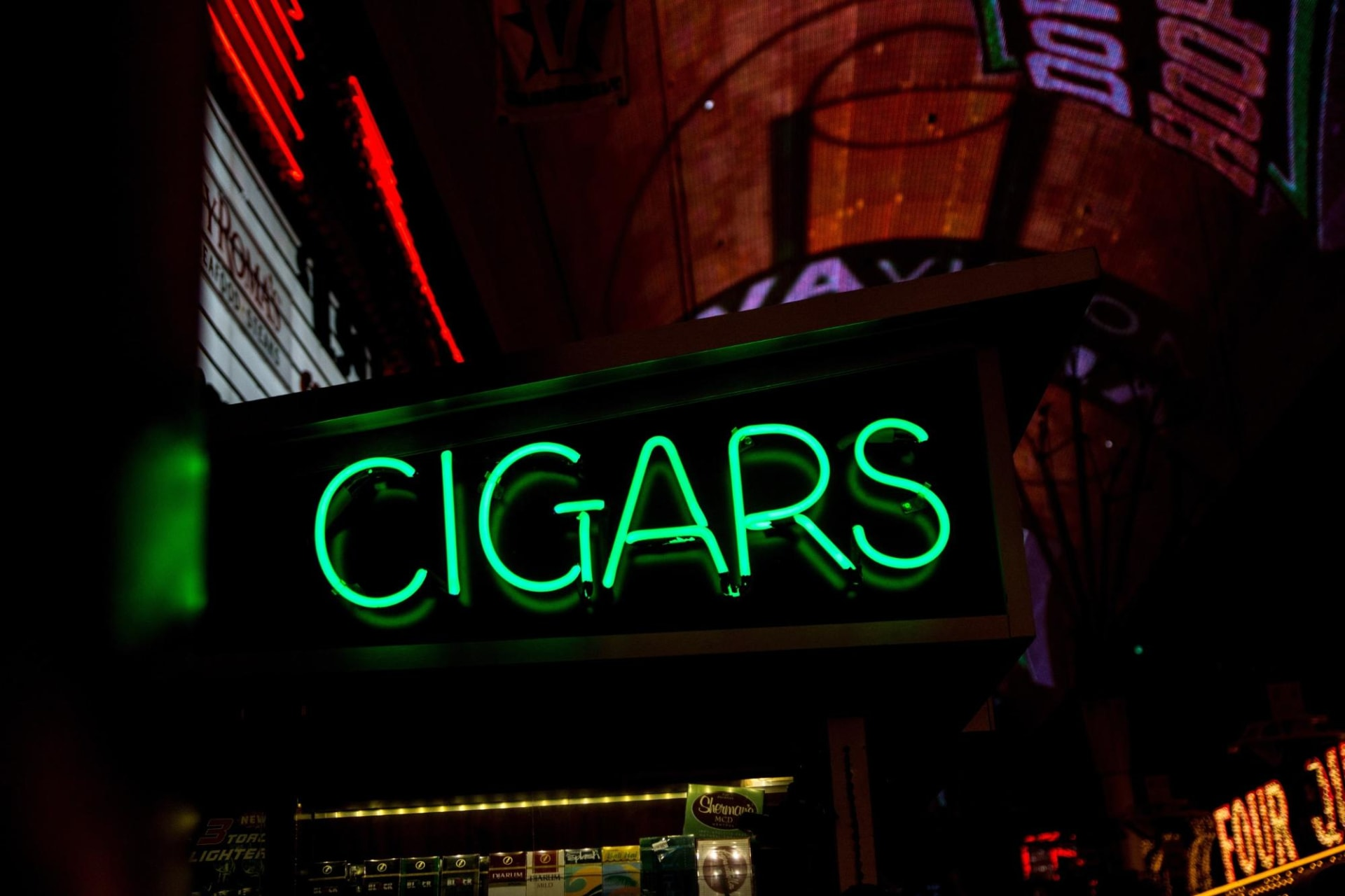 Cigar Bar NYC: The 5 Best In The City Featured Image