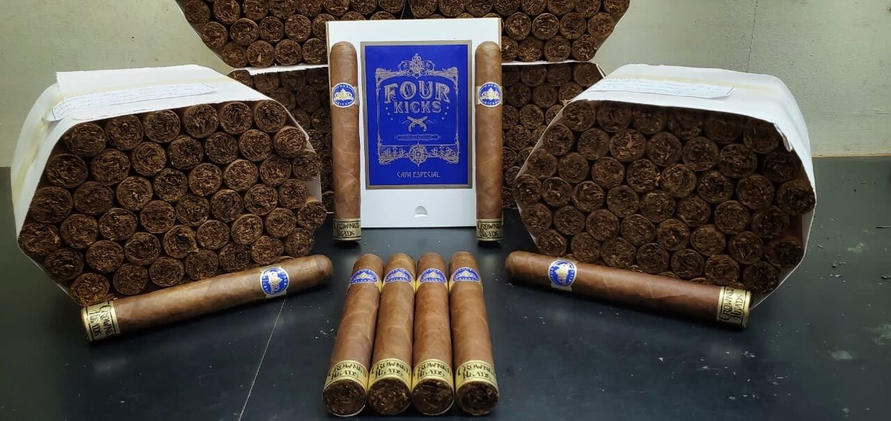 Cigar News: Crowned Heads Announces Four Kicks Capa Especial Featured Image