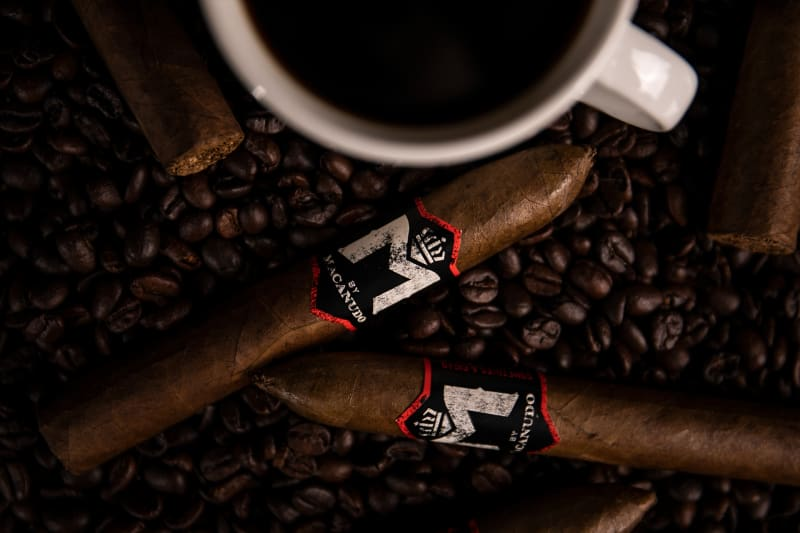 Macanudo M Coffee header asset