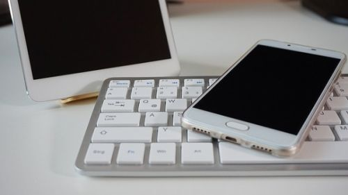 Erste Hilfe bei einem kaputten Smartphone Lautsprecher