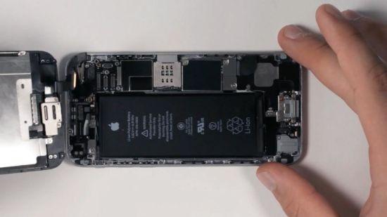 Apple iPhone 6 Frontkamera Reparaturanleitung Schritt 11: Display anschließen