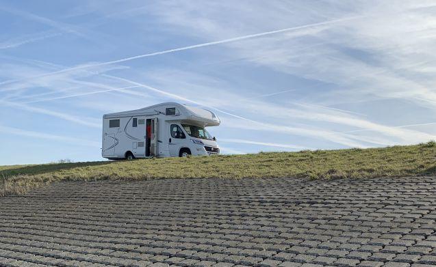 'The King' – Fijne, zeer complete MClouis Twid 6 persoons familie camper.