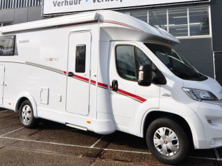Comfort enkele bedden (20) – Spacious, luxurious and young 4-person camper with single beds and fold-out bed