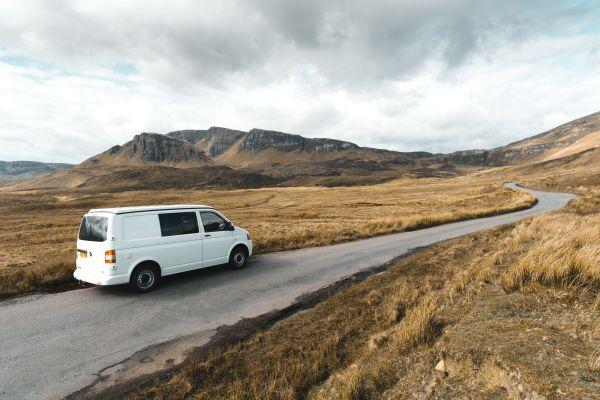 Rijden in Engeland: over snelheden, regels, tips en weetjes