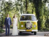 Op huwelijksreis met een Volkswagen camperbusje