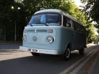 Humfrey – Humfrey For Hire - 1974 VW Bay Fenster Camper