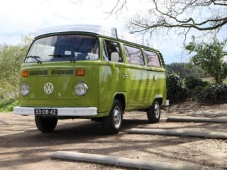 Westfalia – Wonderful Classic Camper Rent! Oldtimer VW minibus hire - T2 Westfalia